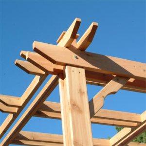 Estructura de madera de cedro rojo del Pacífico al exterior
