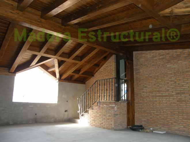 Tejado de madera madera estructural for Tejados de madera vista